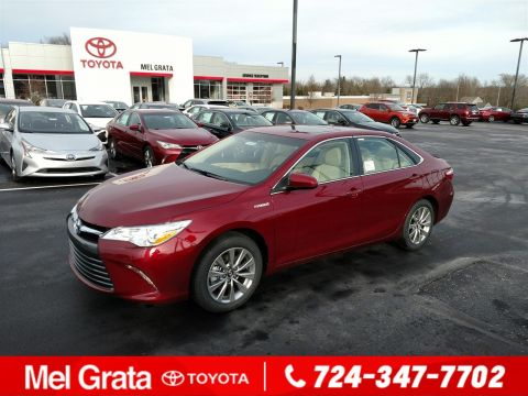 New 2017 Toyota Camry Hybrid XLE 4dr Car