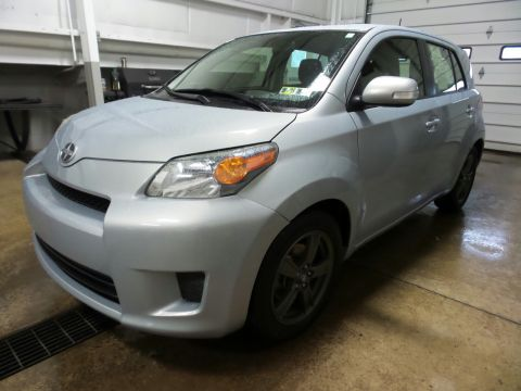 Pre-Owned 2013 Scion xD 10 Series FWD Hatchback