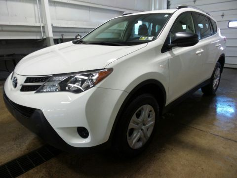Certified Pre-Owned 2015 Toyota RAV4 LE AWD